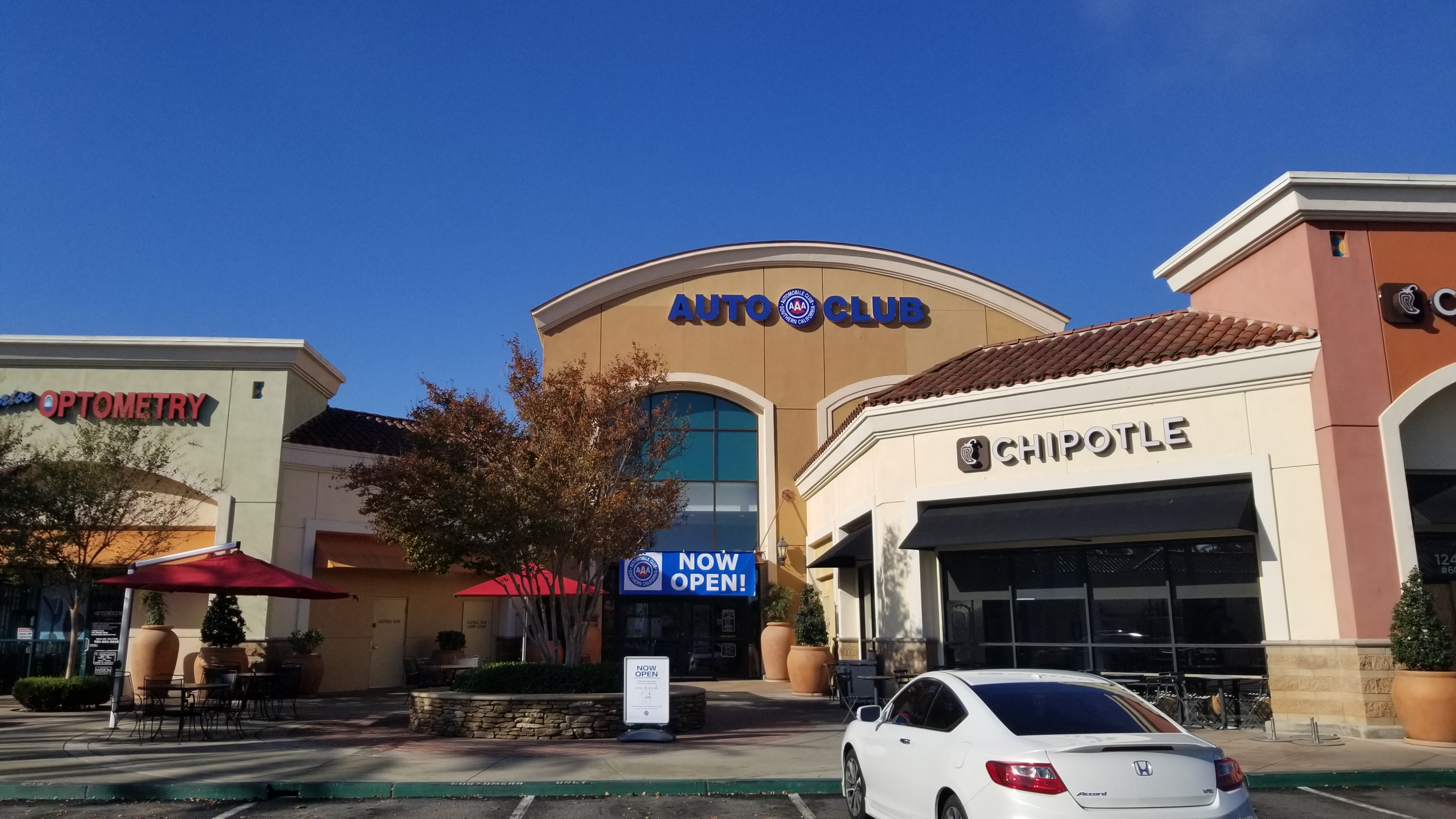 Redlands Auto Plaza >> Auto Club Southern California (AAA) Now Open at Eastvale Gateway - Lewis Retail Centers | Retail ...